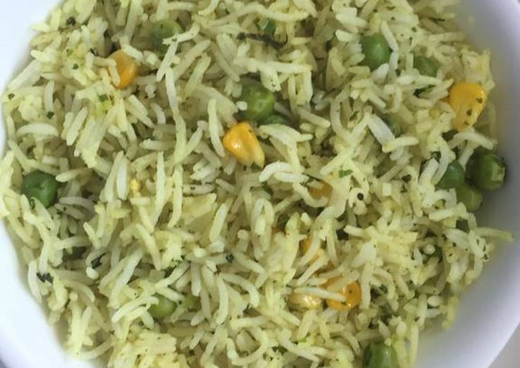 Steps to Make Super Quick Homemade Corn And Peas Fried Rice