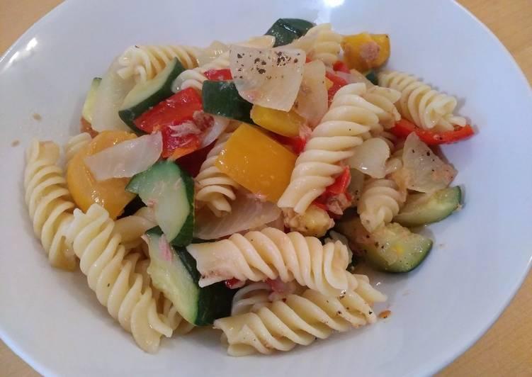 Simple Way to Prepare Homemade Rotini with Zucchini and Tuna
