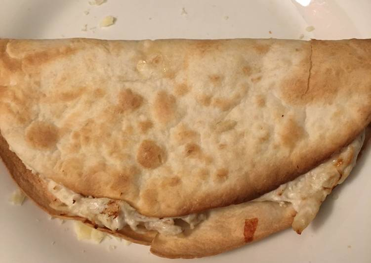 Recipe: Appetizing Buffalo chicken quesadilla