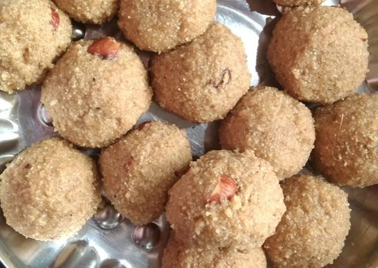 Steps to Make Quick Sooji Atta laddu