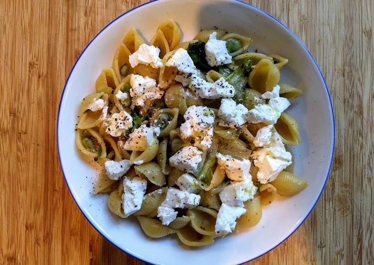 Easiest Way to Prepare Tasty Pasta with broad beans and ricotta