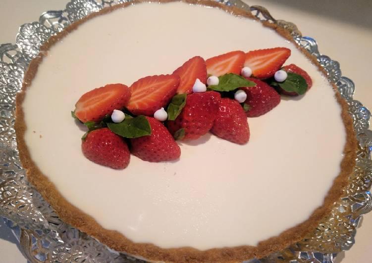Tarta de fresas y panna cotta de albahaca