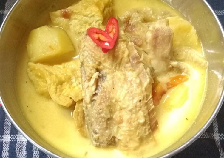 Kare Ayam Sederhana - cookandrecipe.com