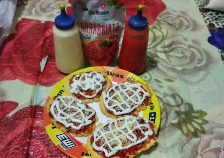 Pizza panggang mini (oven) oleh Septyanti S. Madiun