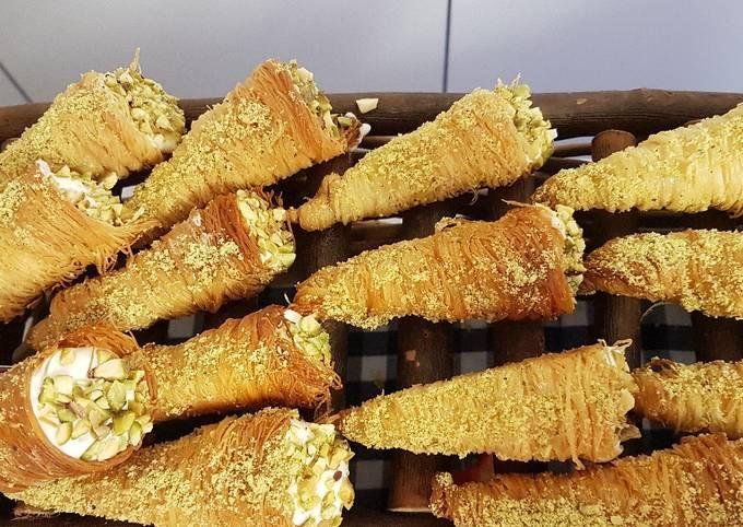 Kataifi cheesecake cones