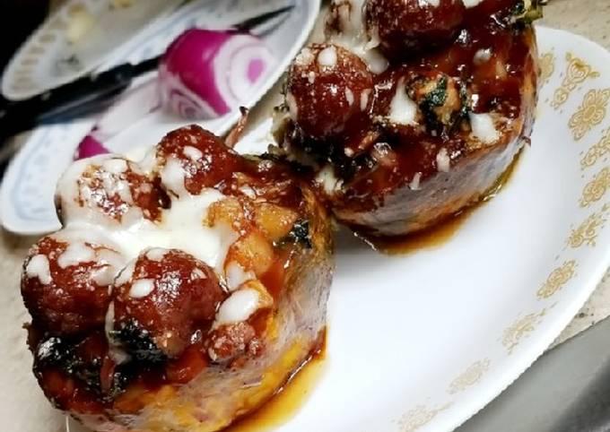 Baked Bean & BBQ Meatball Stuffed Acorn Squash