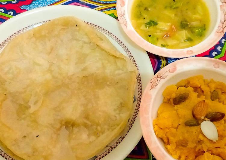 Recipe of Any-night-of-the-week Street style nashta HALWA POORI AND Aloo DAAL