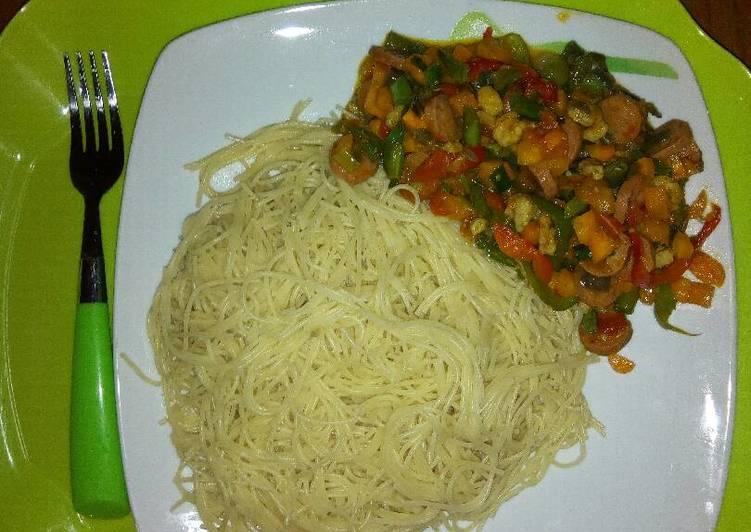How to Prepare Quick Shrimp veggie stir-fry with spagettini