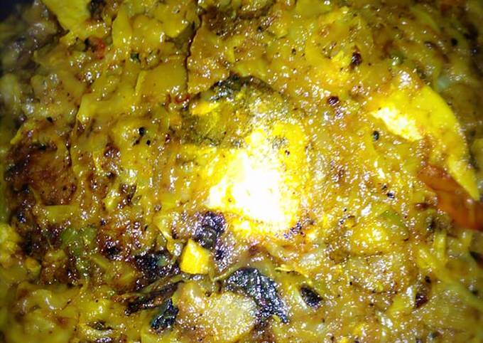Fish head cabbage curry