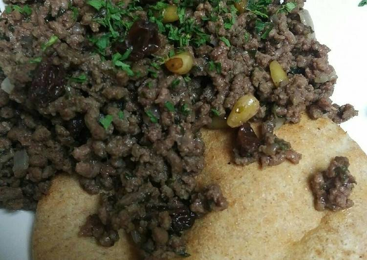 Recipe of Quick Hushwee with Pita Bread