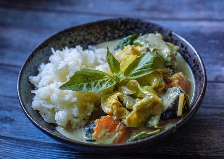 Steps to Prepare Perfect Vegetarian Thai green curry