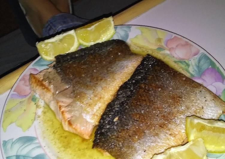 Crispy Skin Salmon with Garlic, Lemon Butter Sauce