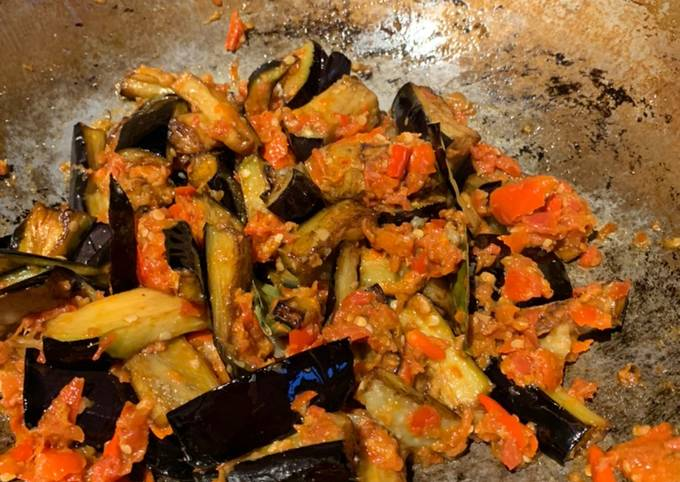Terong balado (aubergine in balado sauce)