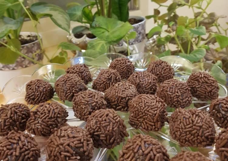 Step-by-Step Guide to Make Ultimate Chocolate orange brigadeiros