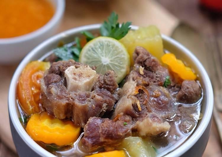 Resep Sop buntut (oxtail soup) oleh Susi Agung - Cookpad