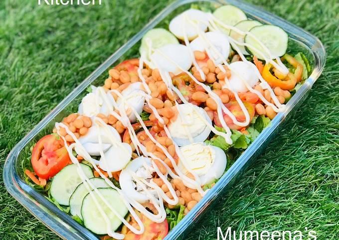 Simple healthy salad