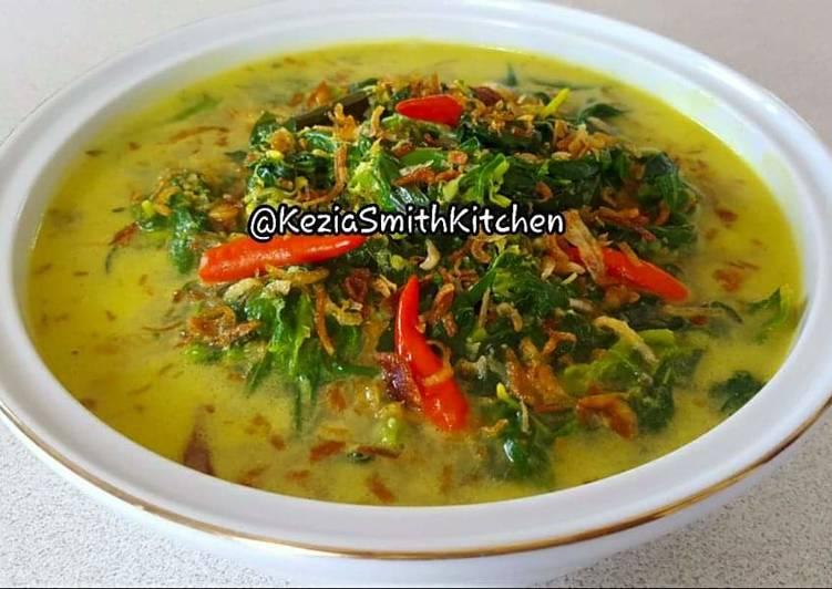 How to Prepare Award-winning GULAI DAUN SINGKONG OZ (Cassava Leaves Curry)