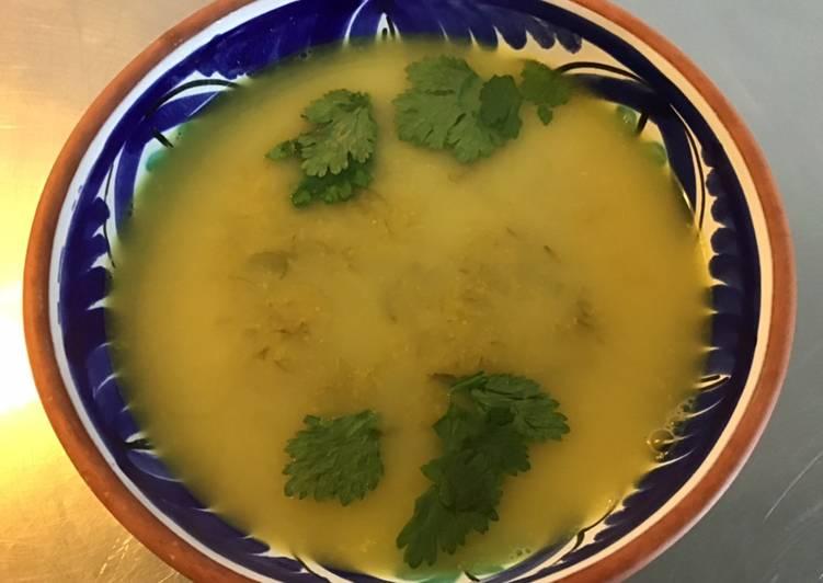 Potage poireaux et pommes de terre au curry