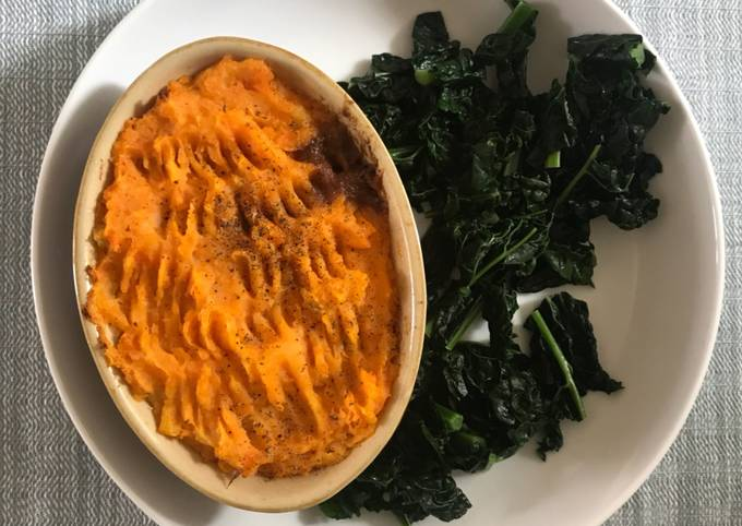 Cottage pie with vegetable mash top and black cabbage