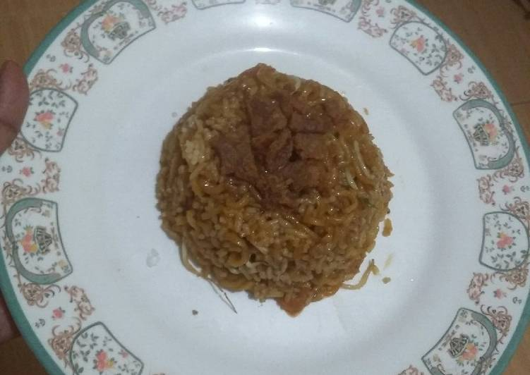Nasi goreng mie salero padang sosis tauge