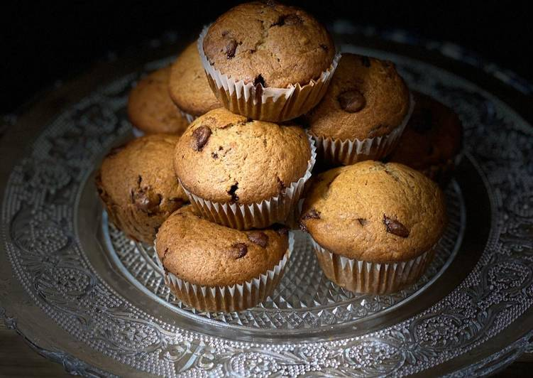 Recipe of Super Quick Homemade Banana chocolate chip muffins 🧁