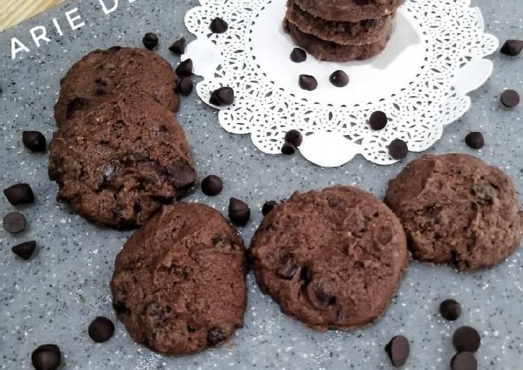 Double chocolate cookies/choco chip cookies