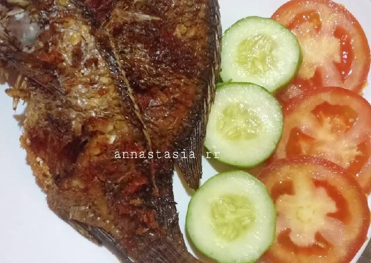 Ikan Mujair goreng bumbu racik