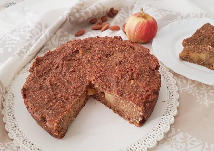 Torta di farina di mandorla e cocco con mele caramellate