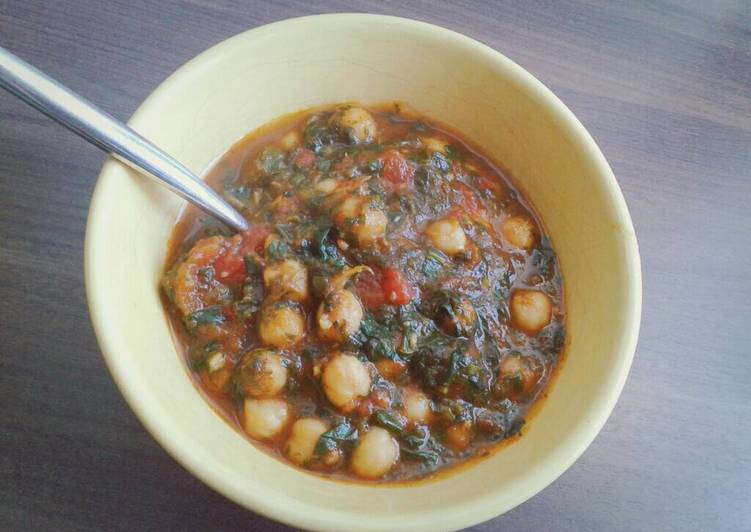 Recipe: Tasty Chickpea and Spinach Curry