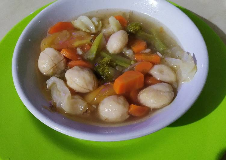 Sup Bakso Ikan kesukaan keluarga