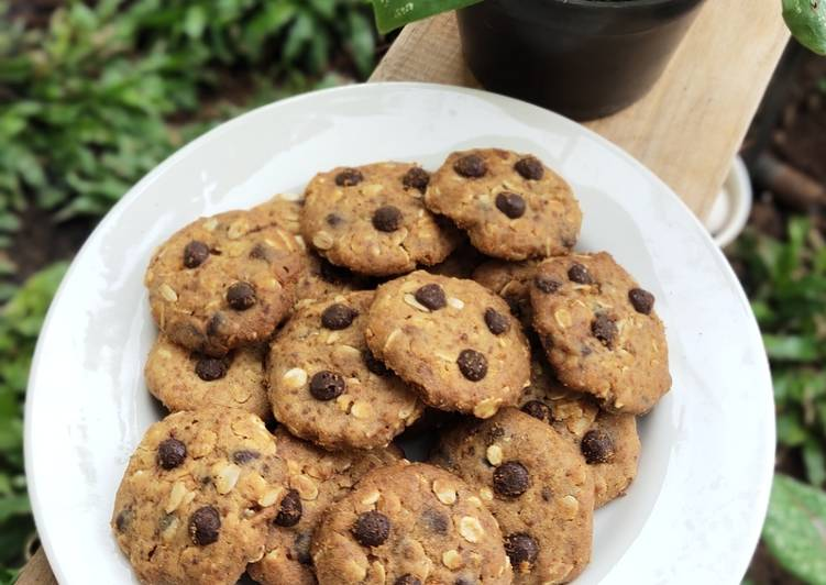 Choco Chips Oat Cookies