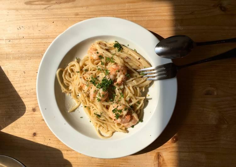 Pasta mit Shrimp-Sahnesauce