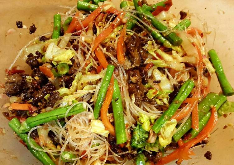 Recipe: Delicious Spicy Glass noodle salad