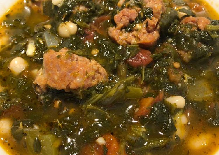 Recipe: Delicious Spinach and White Bean Soup With Sausages