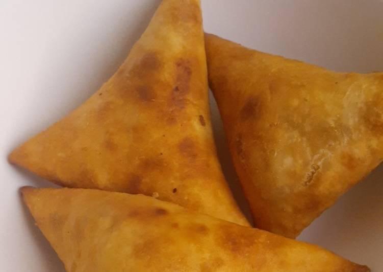 Recipe of Favorite Bomb💣 Chicken Samosas