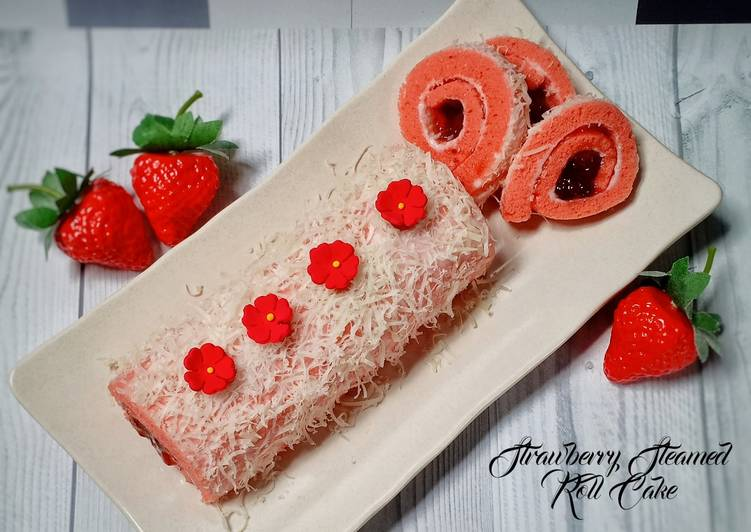 Strawberry Steamed Roll Cake
