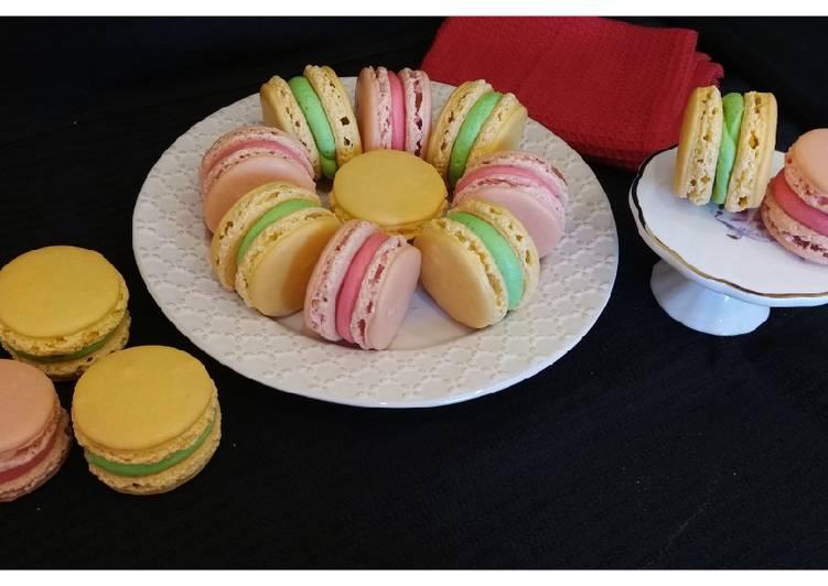 Lemon & strawberry macarons