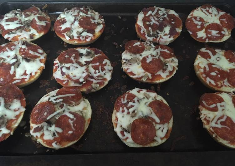 Pizza bagels