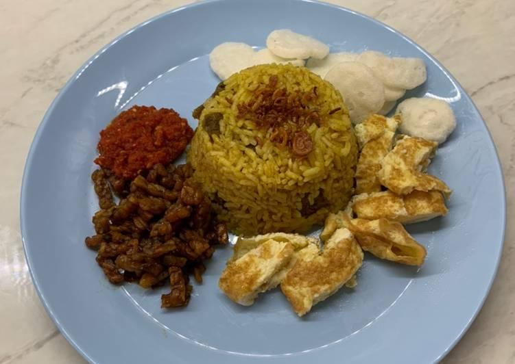 Nasi kebuli sapi rice cooker