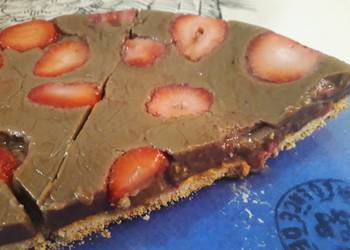 How to Cook Perfect Strawberries and chocolate cake