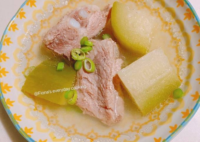 Pork ribs soup with white gourd 清爽冬瓜排骨汤