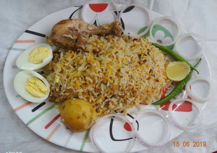 How to Prepare Favorite Kolkata Style Chicken Biriyani