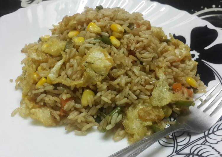 Recipe of Perfect Sweet corn veg and egg drop fried rice
