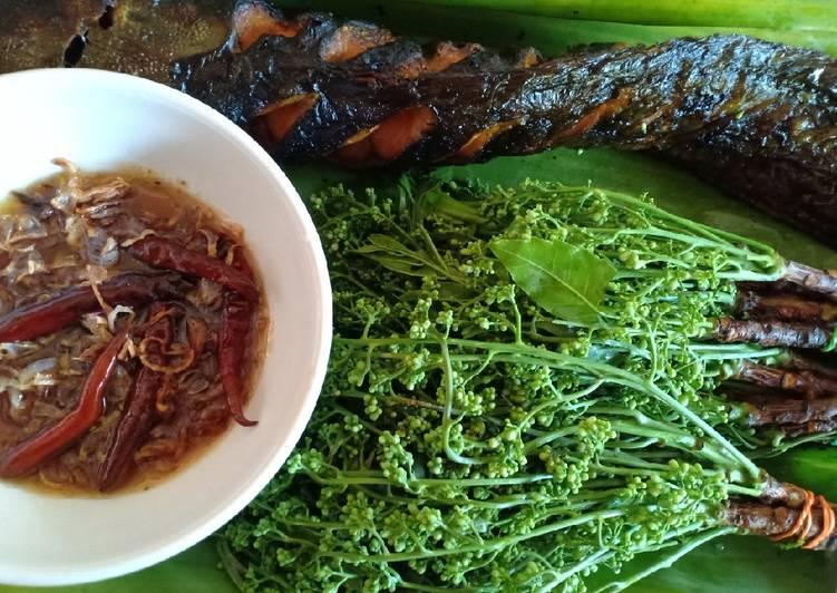 สูตร สะเดาน้ำปลาหวานปลาดุกย่าง 🥗 โดย ใบ ตอง - Cookpad