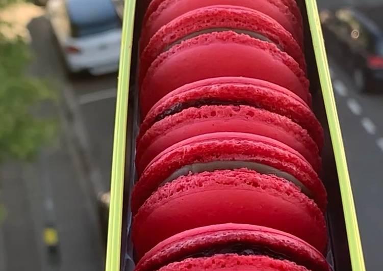 La Recette Pas à Pas Macarons au framboises et au chocolat