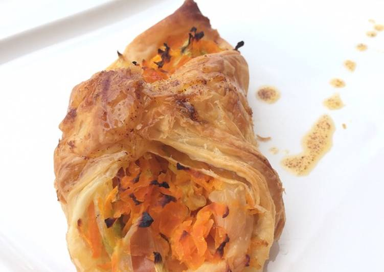 Vegetables Puff Top Spicy Butter