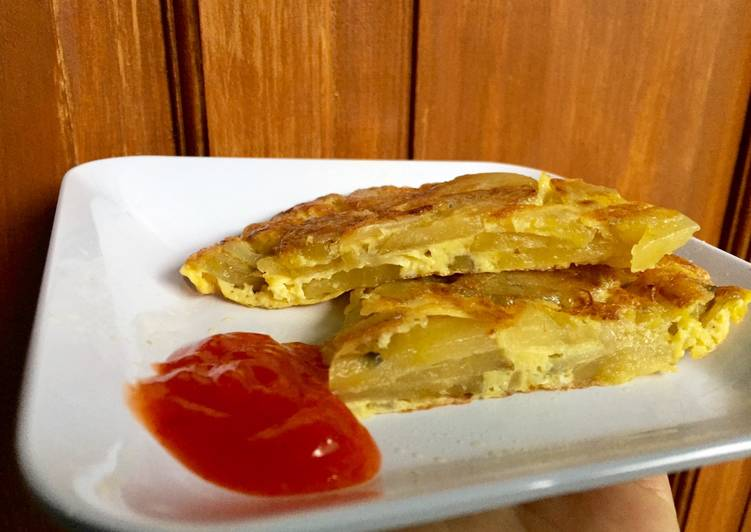 Kreasi telur kentang (Spanish omelette)