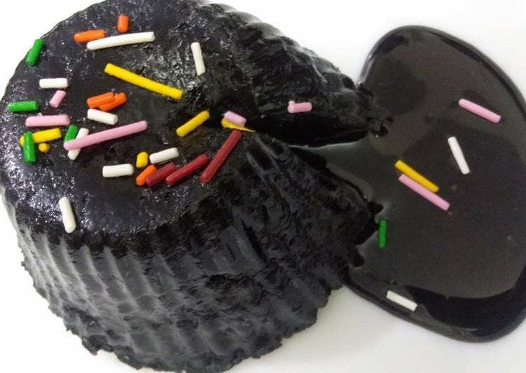 Chocolate lava cake no bake