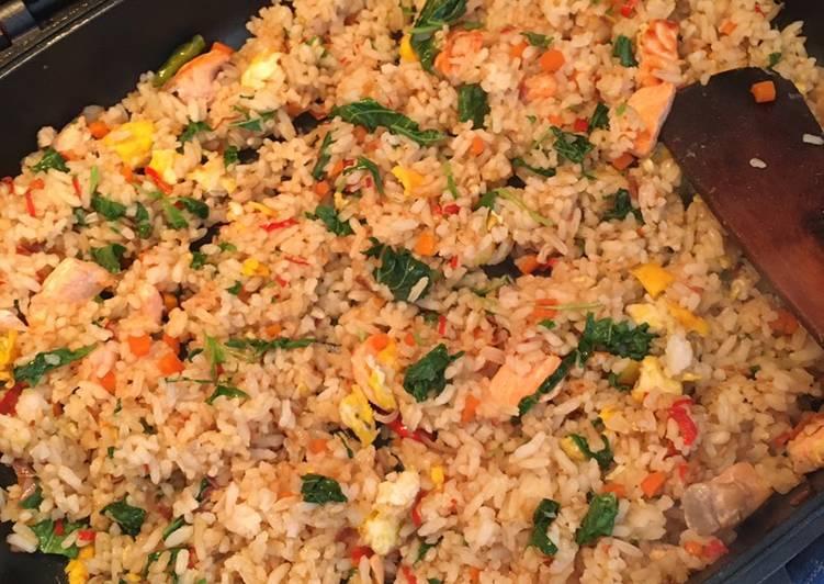 Nasi Goreng Salmon (Nasi Goreng Sehat)
