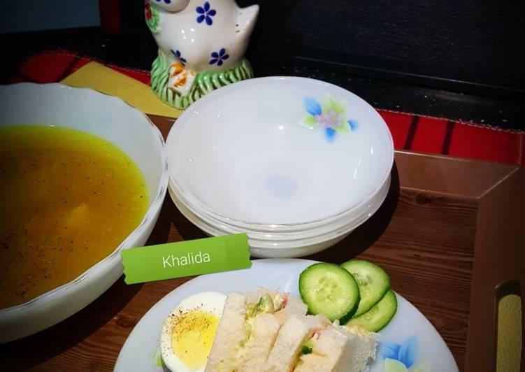 Egg, Veggies and Mayo Sandwiches